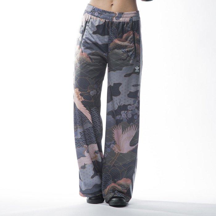 Spodnie dresowe Adidas Originals Trackpant multco (AJ7233