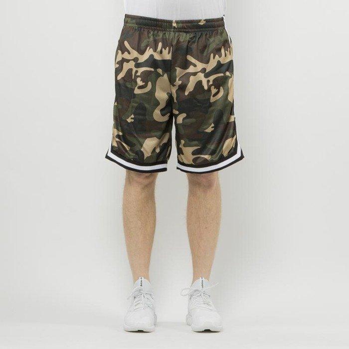 1ef482a633 ... Urban Classics szorty Camo Stripes Mesh Shorts woodcamo / black / white  ...