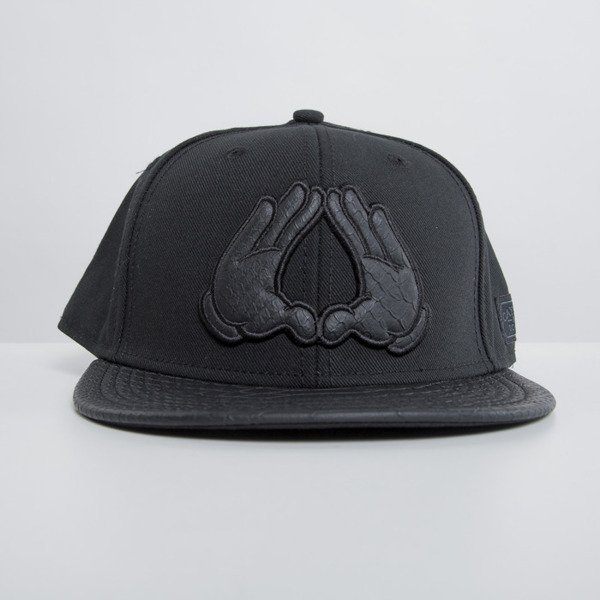 Cayler & Sons czapka snapback Brooklyn triple black WL-CAY-HD15-18