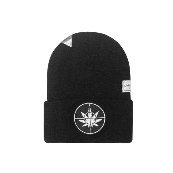 Cayler & Sons czapka zimowa Defender Your Crops Old School Beanie black / white GL-CAY-AW16-BN-02