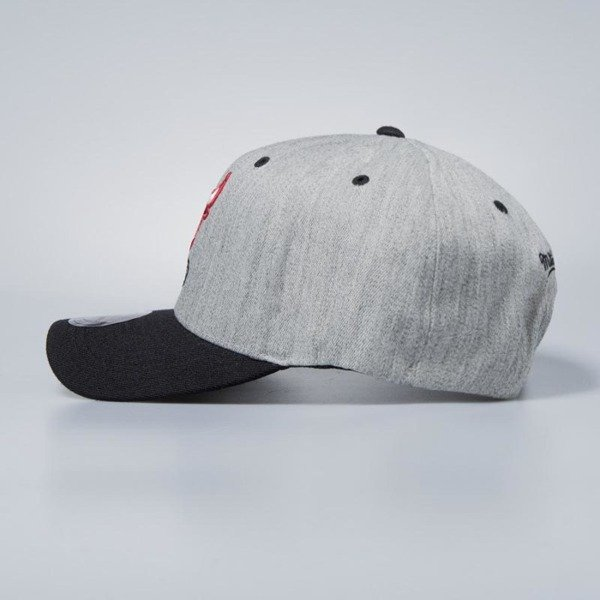 Czapka Mitchell & Ness snapback Chicago Bulls grey / black Team Logo 2-Tone
