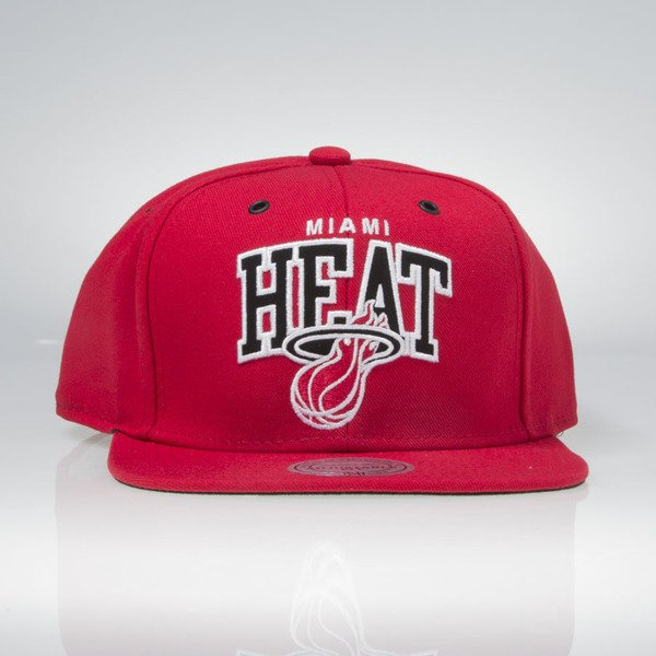 Czapka Mitchell & Ness snapback Miami Heat red EU965 Black and White Arch