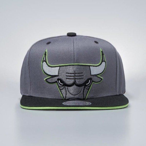 Czapka Mitchell & Ness snapbeck Chicago Bulls dark grey Thirteens Cropped