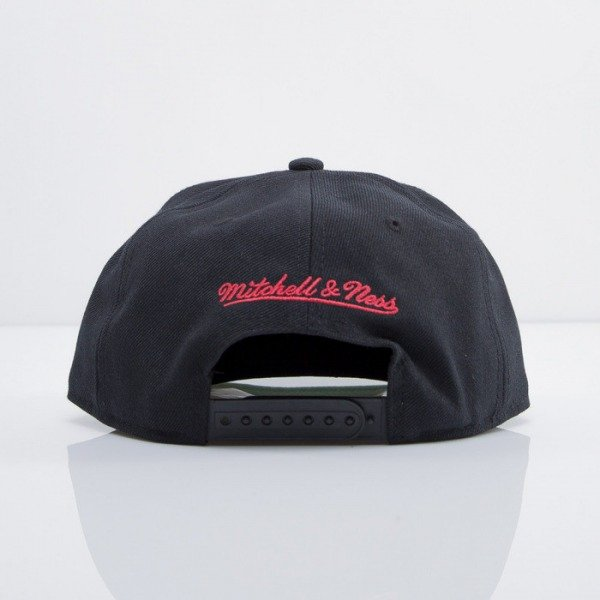 Mitchell & Ness czapka snapback Chicago Bulls black On Point EU240