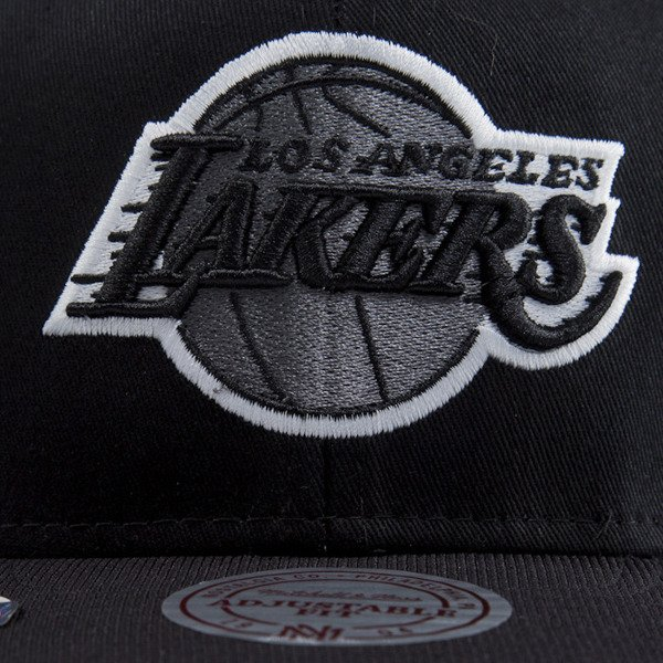 Mitchell & Ness czapka snapback Los Angeles Lakers black EU283 NUTEK