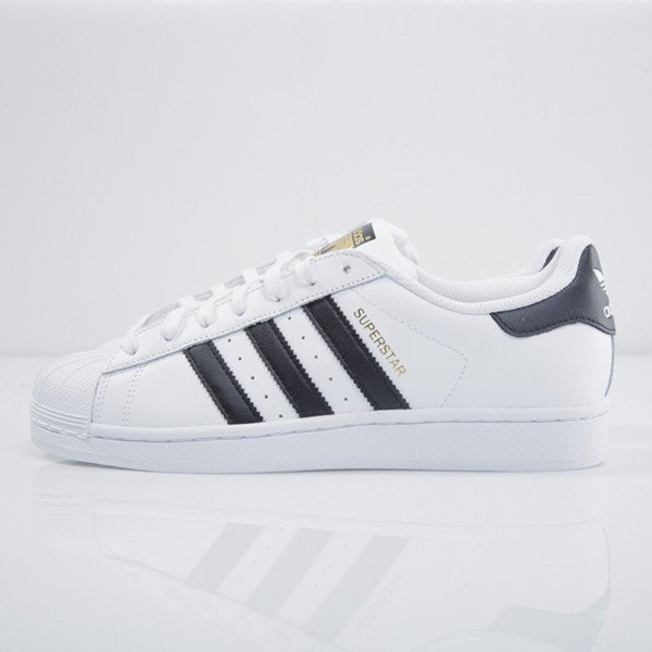 Sneakers buty Adidas Superstar white / black (C77124)