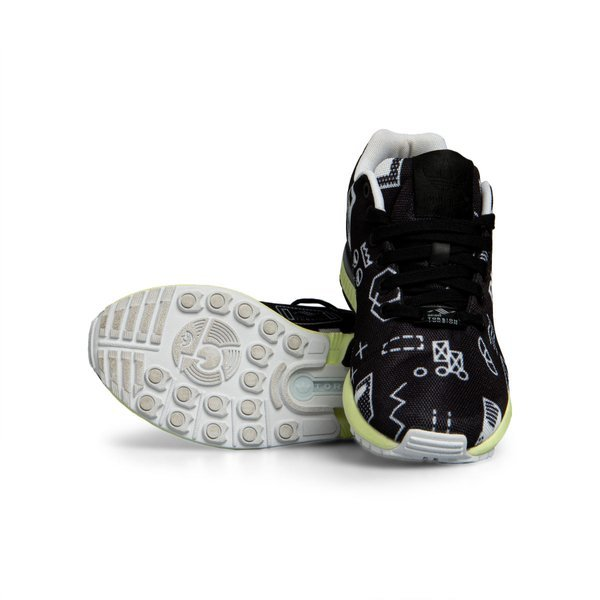 Sneakers buty Adidas ZX Flux black / white M19840