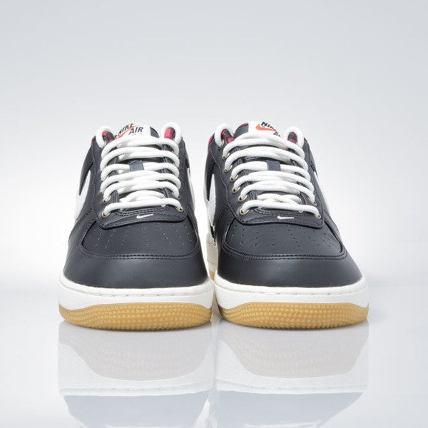 Sneakers buty Nike Air Force 1 '07 LV8 black / sail-action red-gum light (718152-015)