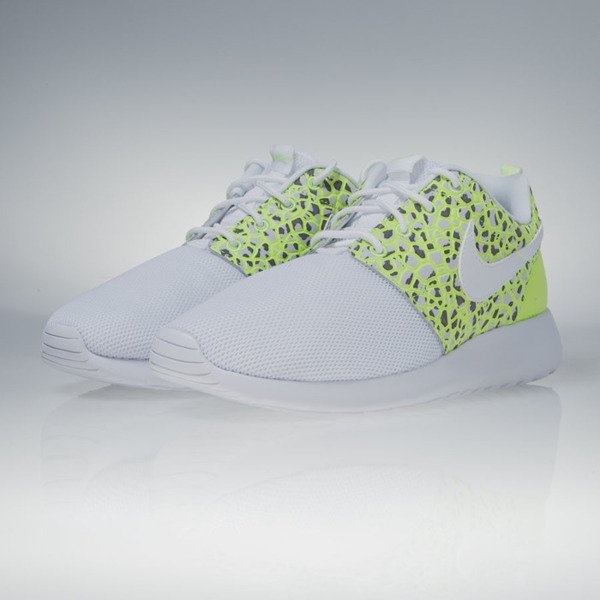Sneakers buty Nike WMNS Roshe One Premium white / white-ghost green (833928-100)